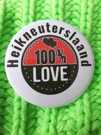 carnaval button heikneuterslaand 100% Love